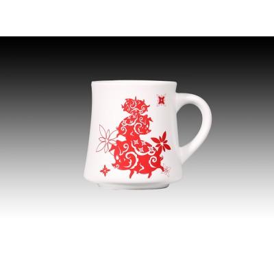 金豬報喜(紅)甜白釉摩卡杯